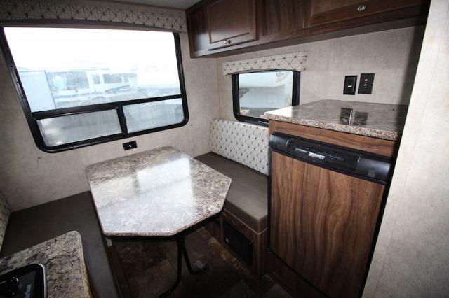 2016 COACHMEN VIKING 17RD