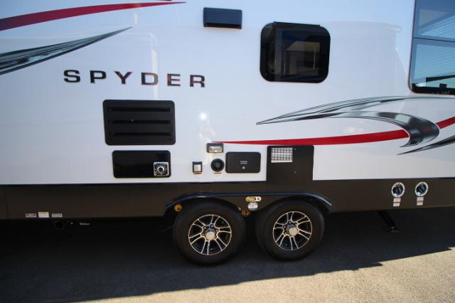 2017 WINNEBAGO SPYDER 24FQ WHITE