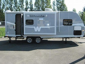 2015 WINNEBAGO MINNIE 2351DKS