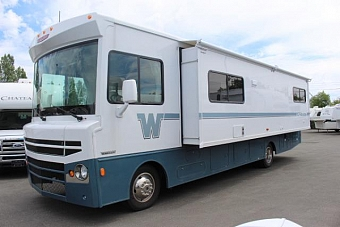 2016 WINNEBAGO TRIBUTE 31C #24108