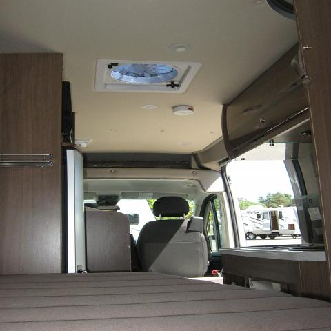 2016 WINNEBAGO TOURING COACH TRAVATO 59G