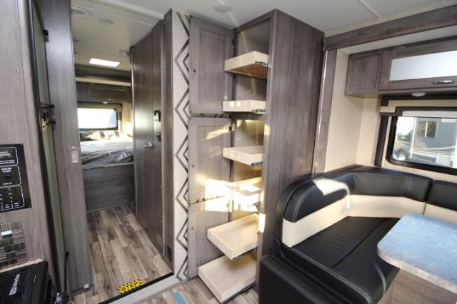 2017-Winnebago-Spirit-26A-R24173-7204.jpg