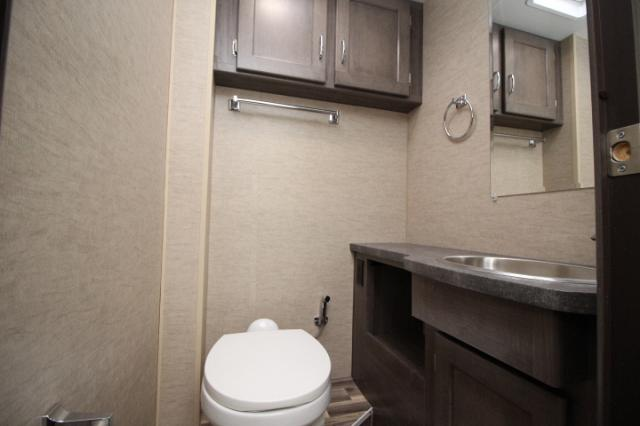 2017-Winnebago-Spirit-26A-R24173-7208.jpg