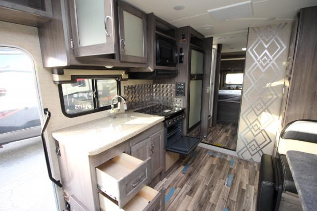 2017-Winnebago-Spirit-26A-R24173-7212.jpg