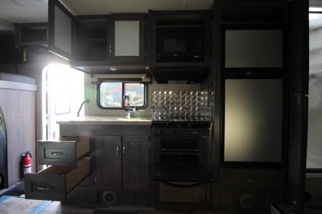 2017-Winnebago-Spirit-26A-R24173-7213.jpg
