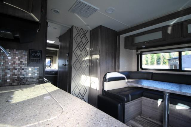 2017-Winnebago-Spirit-26A-R24173-7214.jpg