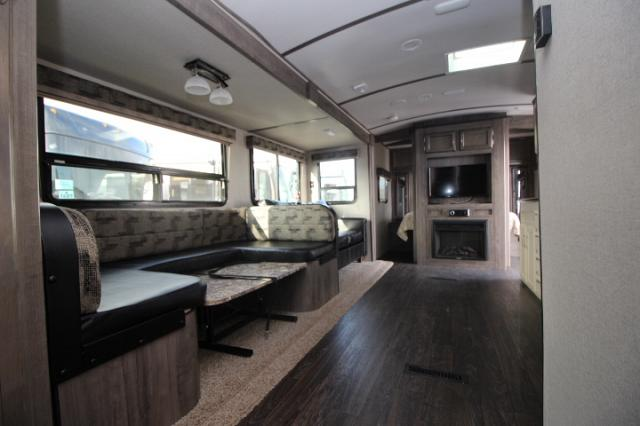 2018 WINNEBAGO MINNIE PLUS 31BHDS #C24498