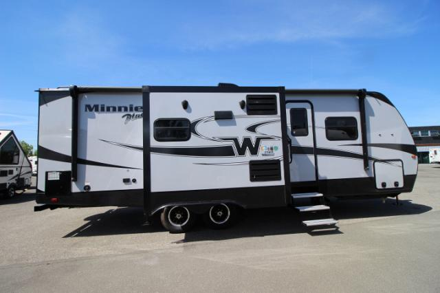2019 WINNEBAGO MINNIE PLUS 27RBDS #24420